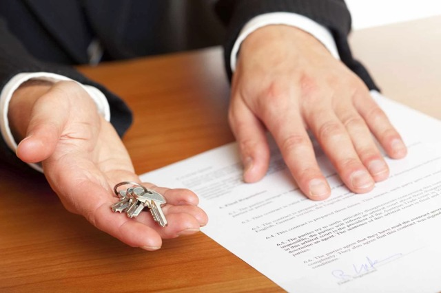 Ипотека по двум документам сбербанк: кредит по 2 м документам, какие условия на получение ссуды на квартиру, преимущества программы, как получают одобрение банка, требования к заемщику и объекту