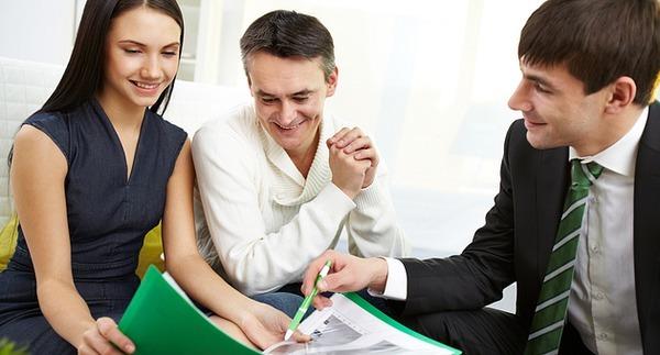 Поручитель по ипотеке: отличия от созаемщика, требования, документы