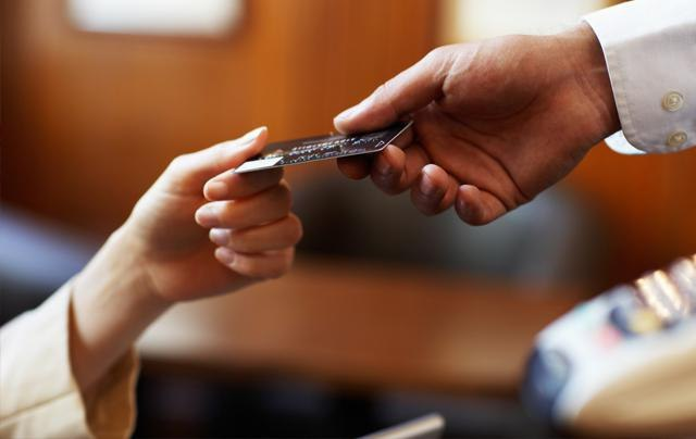 Подробный обзор всех дебетовых карт банка Восточный и мнение клиентов