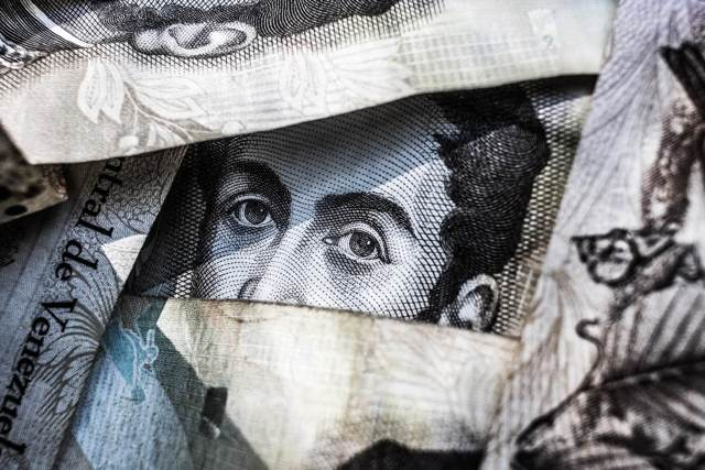 Как выгодней обменять валюту: готовим кошелек к отпуску