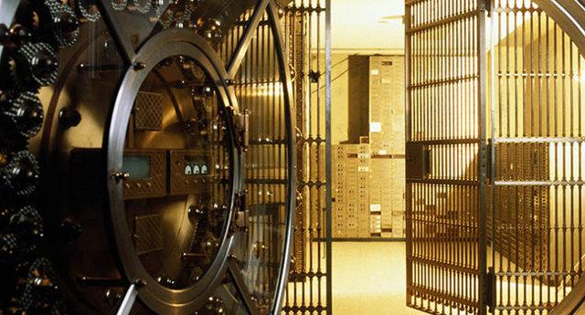 Банковская ячейка сбербанк цена: какая стоимость аренды, сколько стоит при расчетах с недвижимостью, сейфовая камера для физических лиц при продажи квартиры, как открыть депозитный слот для хранения, кто может арендовать сейф в банке России?