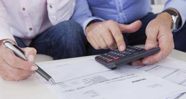 Созаемщик в ипотеке в сбербанке: кто может быть вторым заемщиком, какие предъявляются требования, кто такой титульный поручитель, как правильно вывести из кредита, какие права есть у доверенного лица, какой возраст, какие документы нужно предоставить?