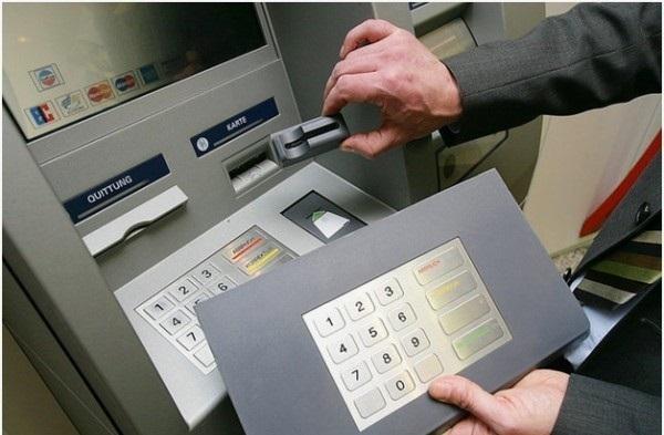 Как без ПИН-кода снять деньги с карты Сбербанка