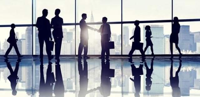Сколько получает управляющий в сбербанке: какая зарплата консультанта, график работы, как получают сотрудники?